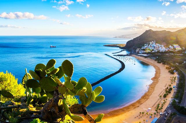 Куда поехать отдыхать в ноябре на море в 2020 году - где тепло, за границу, недорого, без визы