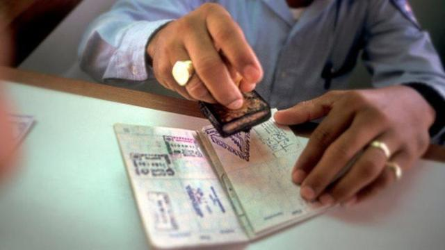 Работа в Турции для русских без знания языка (вакансии) в 2020 году - рабочая виза, получение разрешения
