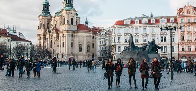 Нужна ли виза в Чехию в 2020 году - для россиян, самостоятельно, цена, сроки изготовления